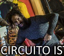 Corto Circuito Isterico è il nuovo videoclip degli Ashi: nu rock e ironia dal cuore della capitale.