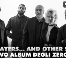 """SEA PRAYERS… AND OTHER SMELLS"": DEBUTTO UFFICIALE IN GRANDE STILE PER GLI ZEROCURVE."
